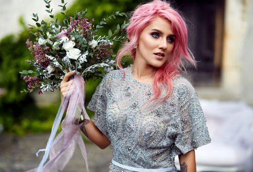 Make your wedding perfect with hairstyle